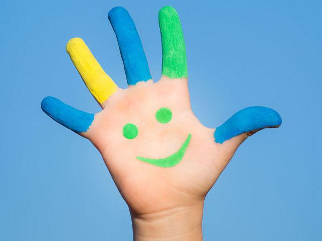 Пальчиковая гимнастика для детей 3–4 лет — стишки, потешки, прибаутки