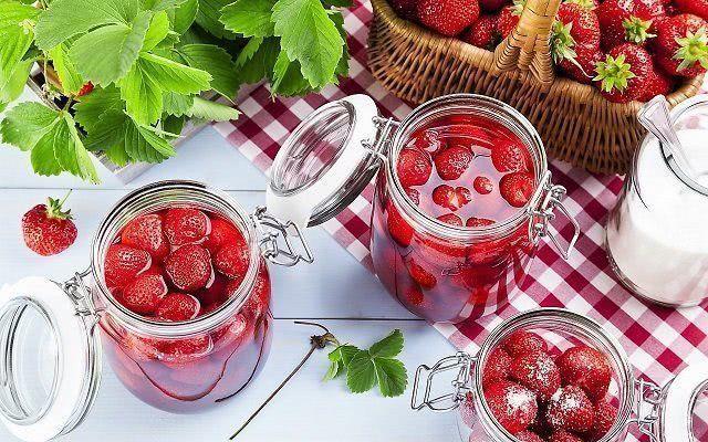 Варенье из клубники с целыми ягодами на зиму: классический рецепт и 5-минутка_1