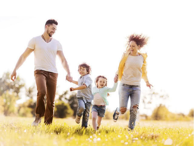 Поздравления с Днем отца от дочки, сына и жены - трогательные до слез и прикольные. Поздравления в картинках на Международный День отца