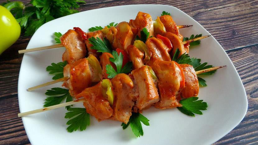 Пикантный маринад для шашлыка из курицы с майонезом и луком, рецепт_1