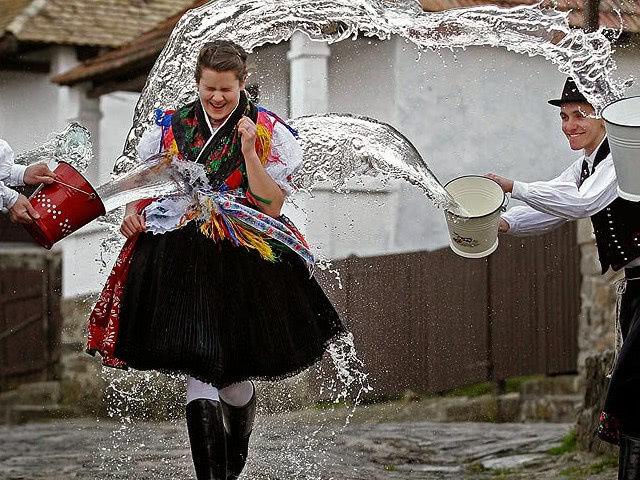 Пасхальные традиции разных стран мира
